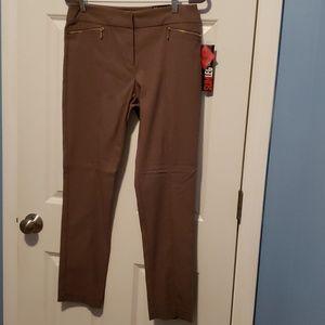 Style & CO  Slim Leg Pant Size 8
